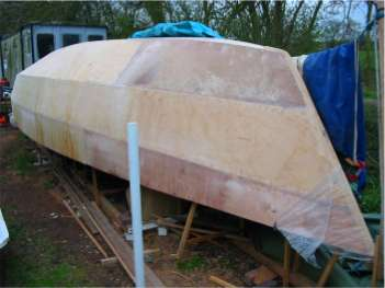 CW975 multi-chine plywood boat plans for amateur builders