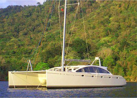 DH 550 Plywood Cruising catamaran