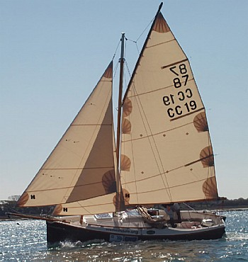 Cape Cutter 19 lapstrake plywood boat plans